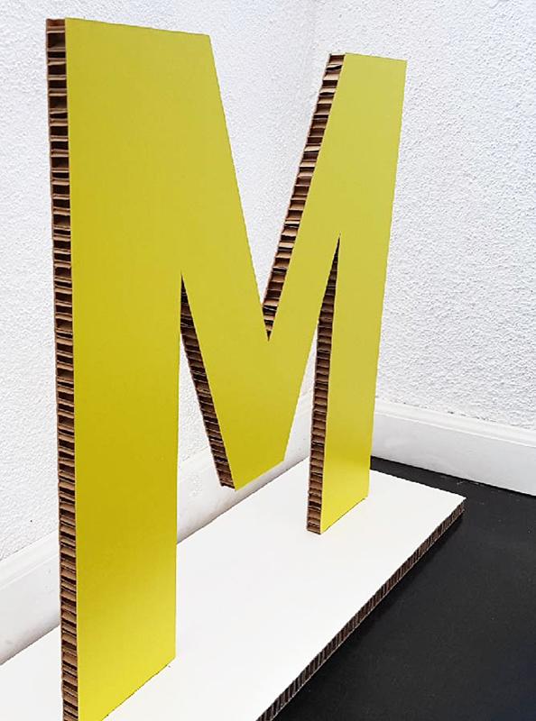 Letra Hexapanel con Base IKEA